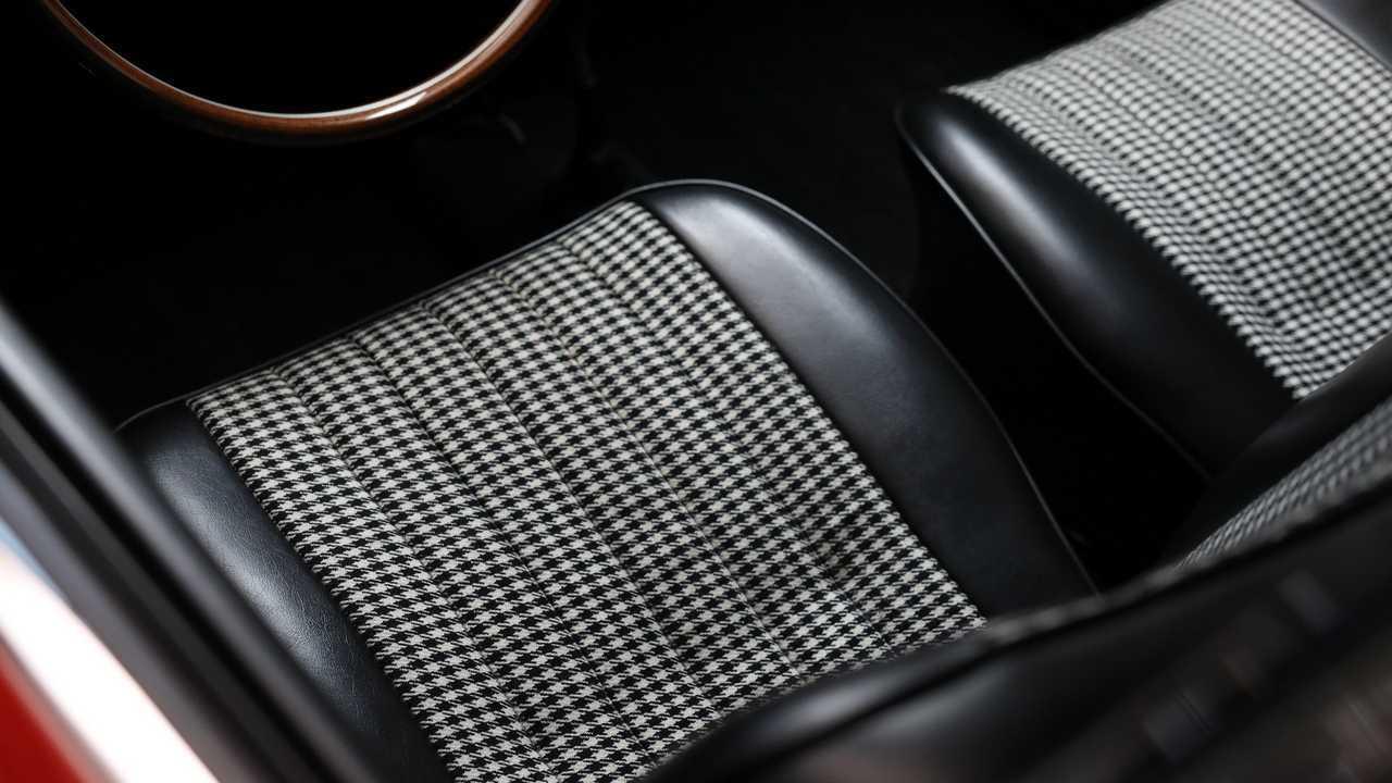 Porsche Top 5 fancy seat patterns - Pepita
