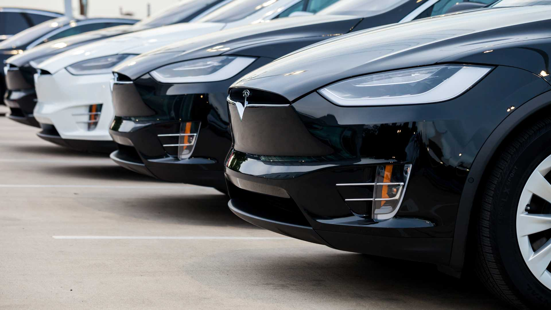 Delivery Bottleneck Puts Tesla Q2 Sales Record Into Question