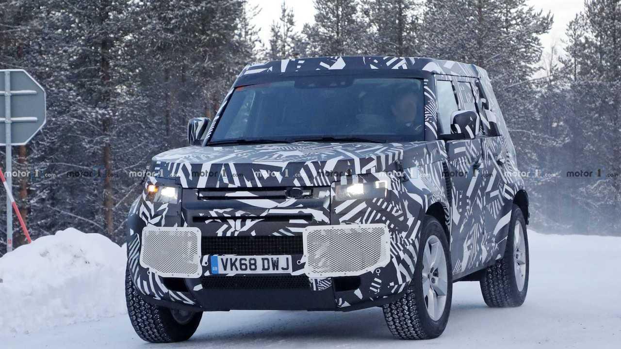 2020 Land Rover Defender Returns In Snowy Spy Photos
