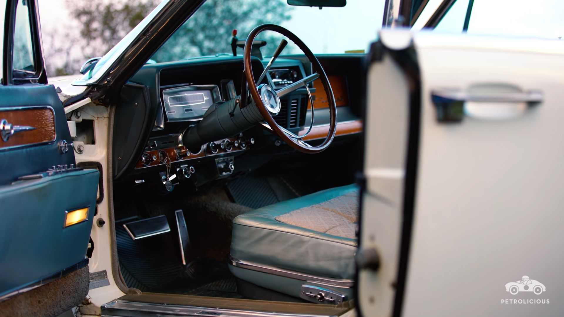 "[""1962 Lincoln Continental Executive Demo""]"