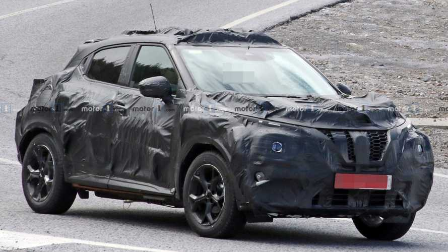 2020 Nissan Juke spied with camo that's just as funky