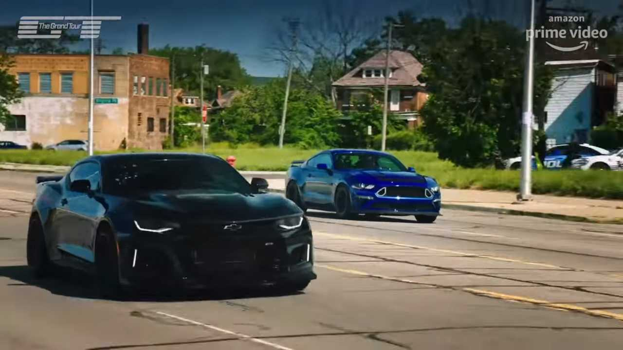 see the grand tour cast drag race american muscle in detroit. Black Bedroom Furniture Sets. Home Design Ideas