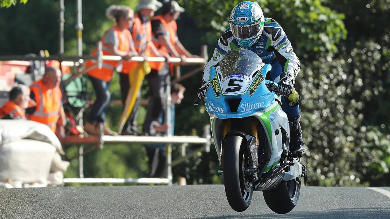Isle of Man TT: Fastest Ever Superbike Qualifier, 131MPH