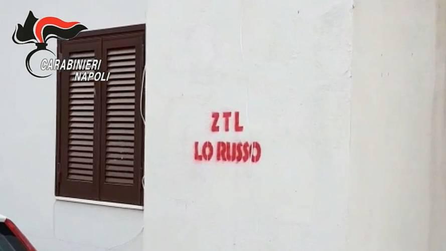 Napoli, la zona a traffico limitato (abusiva) della camorra