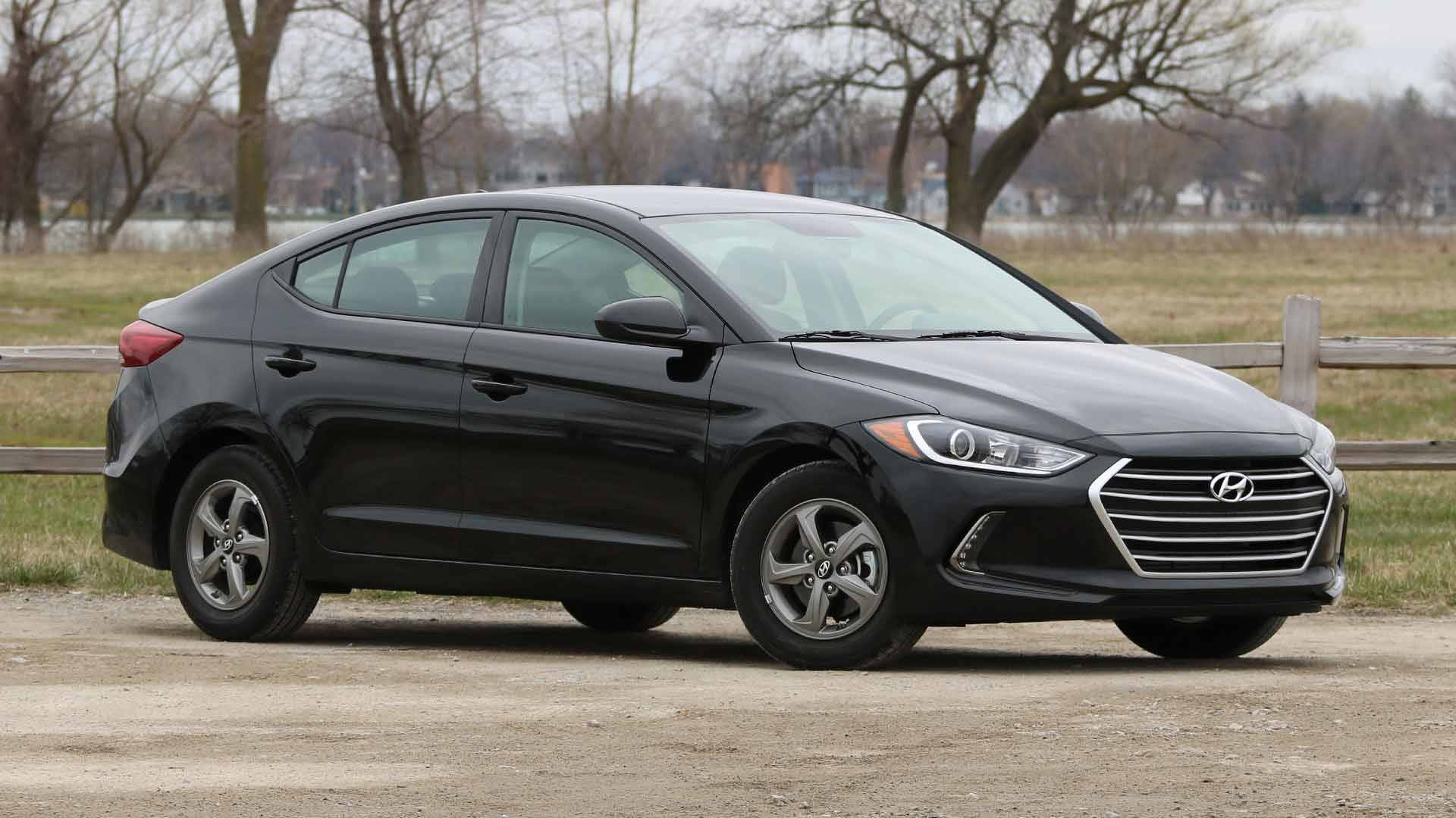 2018 hyundai elantra eco review high on economy light on options