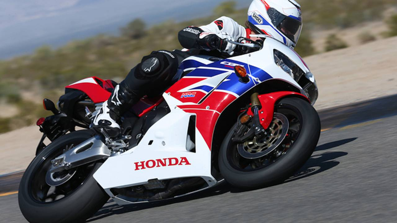 Review: 2013 Honda CBR500R - Bike Review