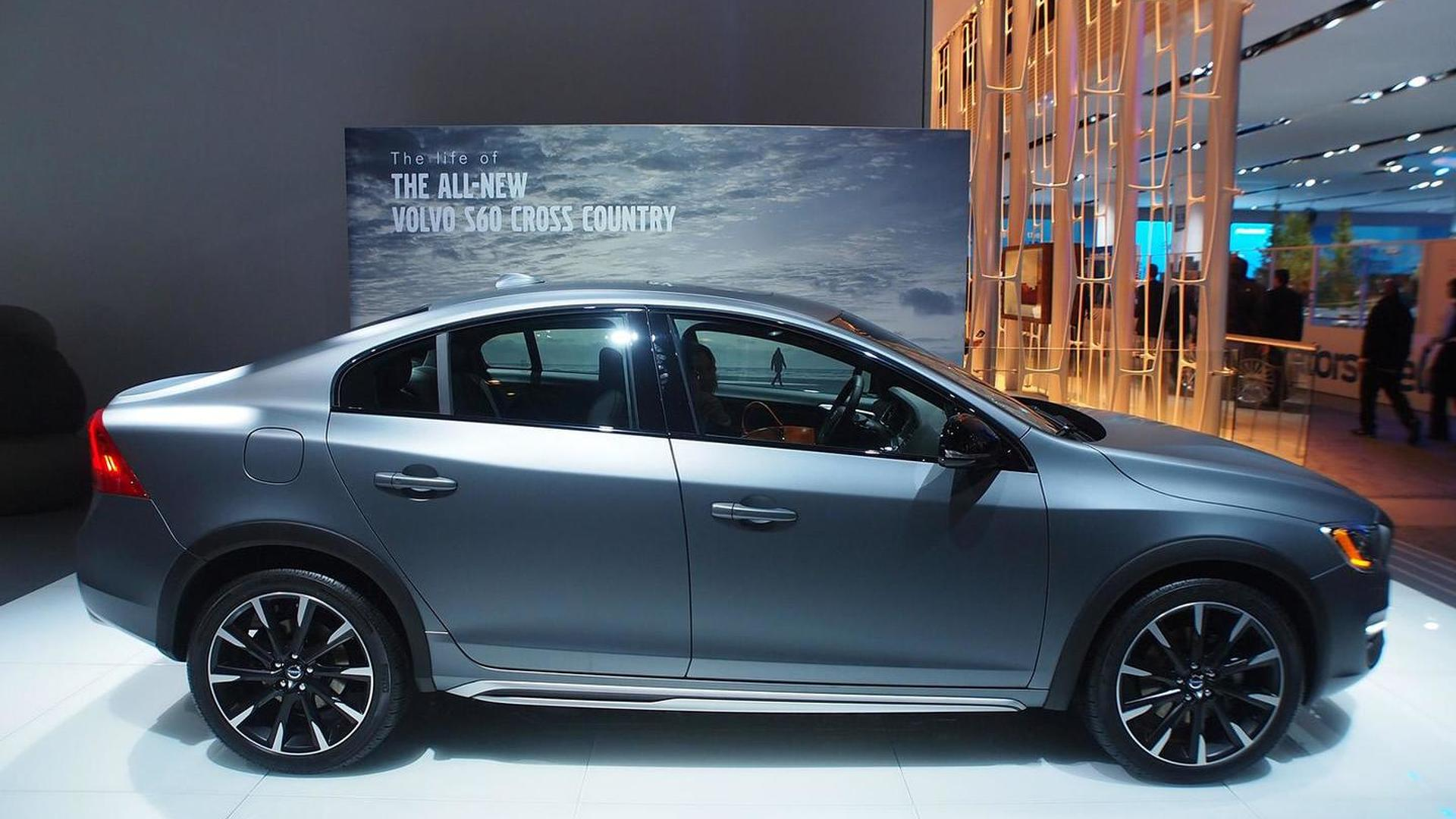Volvo S60 Cross Country >> Volvo S60 Cross Country Makes World Debut In Detroit