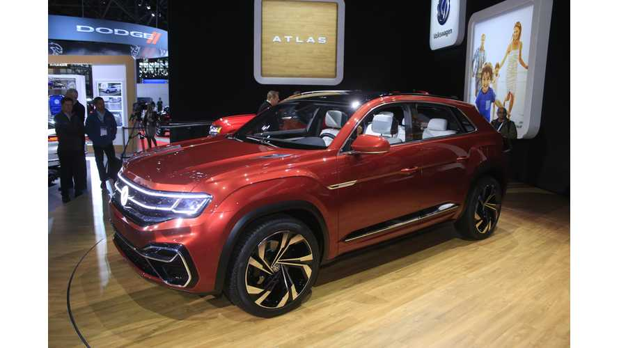Volkswagen Atlas Cross Sport Concept At NYIAS - Photos & Videos