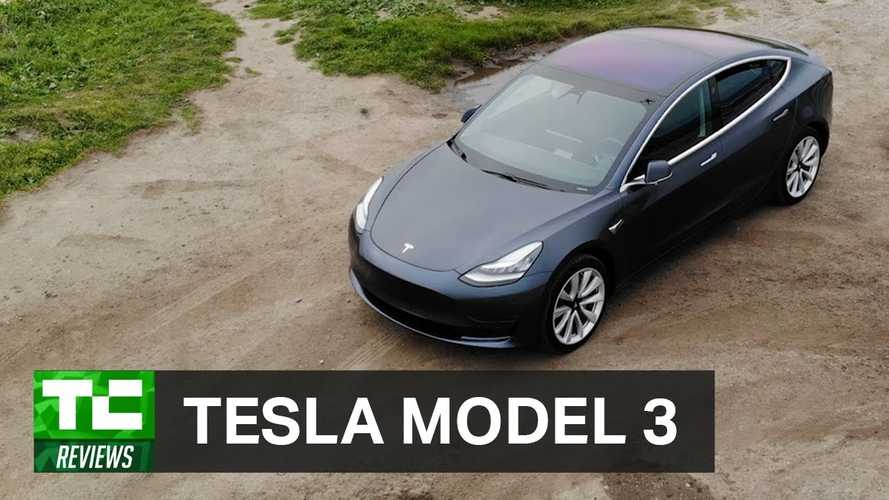 Tesla Model 3 Overview By TechCrunch - Video