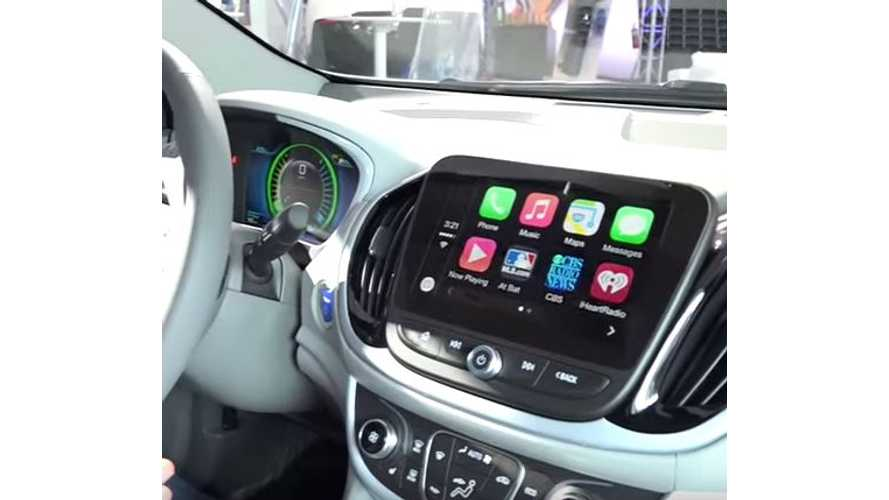 2016 Chevrolet Volt Connected Services & Apple CarPlay Demo - Video