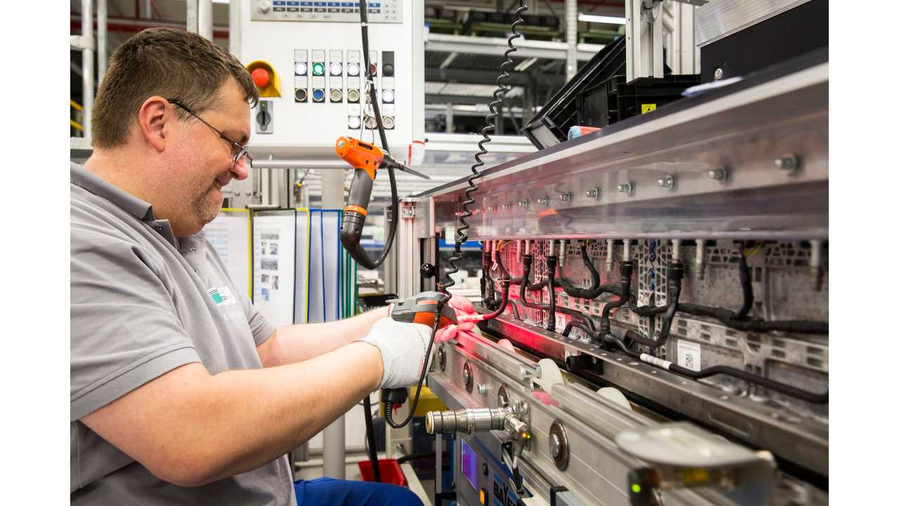 Daimler Invests To Triple Its Lithium-Ion Battery Production
