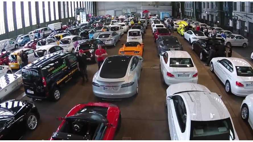 Record Breaking Electric Car Parade - Video