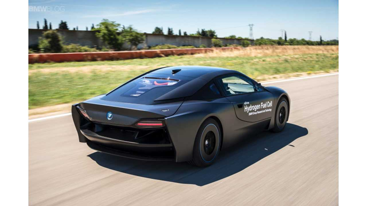 BMW i8 Hydrogen Fuel Cell In Action - Video