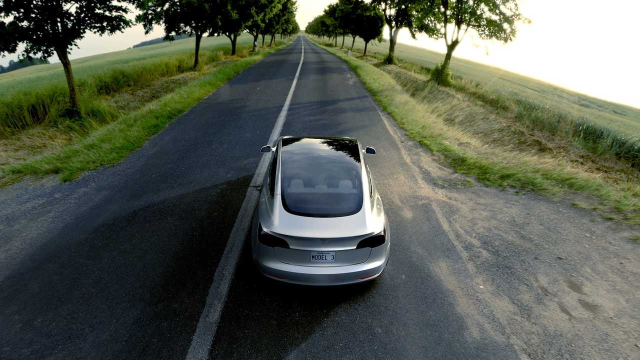 Teslanomics Predicts Average Tesla Model 3 Purchase Price of $50,000