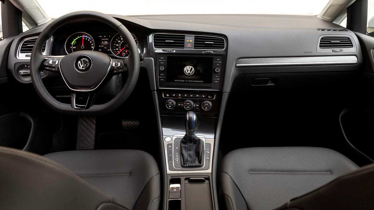 2017 VW e-Golf Interior