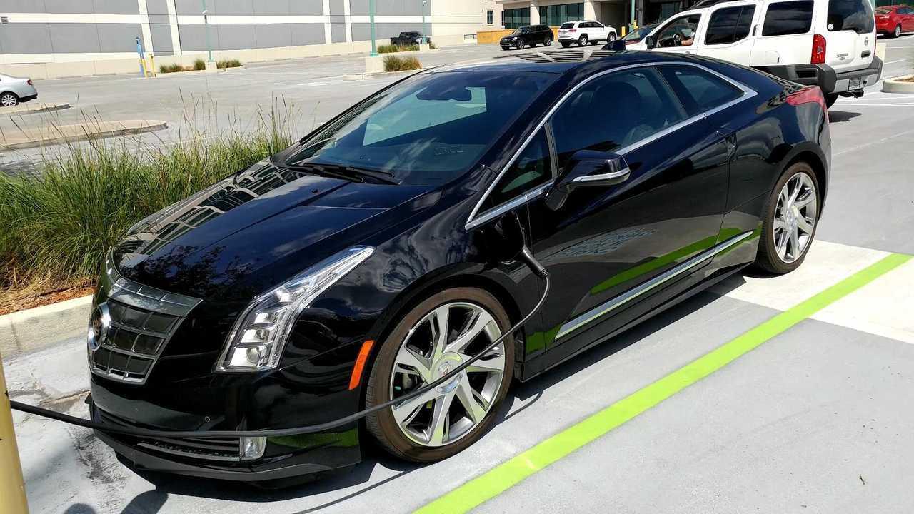 Cadillac ELR charging via Bill Bortzfield