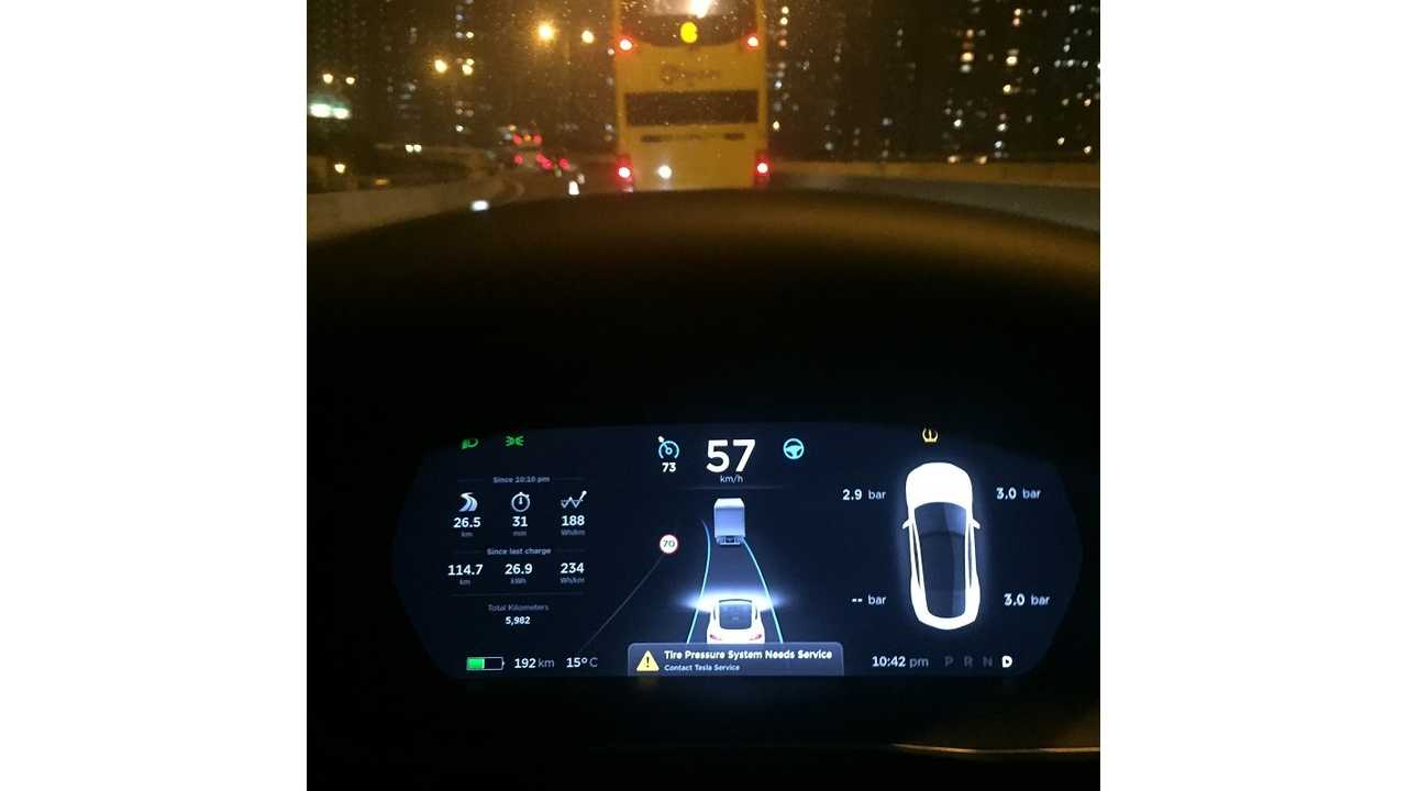 Tesla Adds Back +5 Over Speed Limit For Model S, X Autopilot - (w/video)