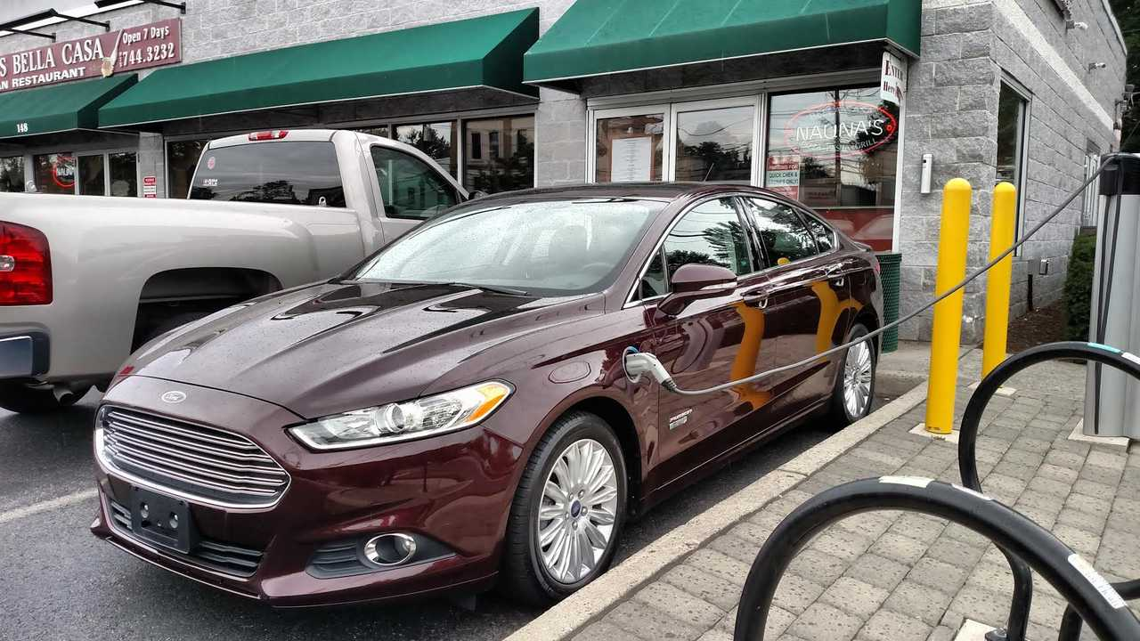 Ford Fusion Energi charging via Tom Moloughney
