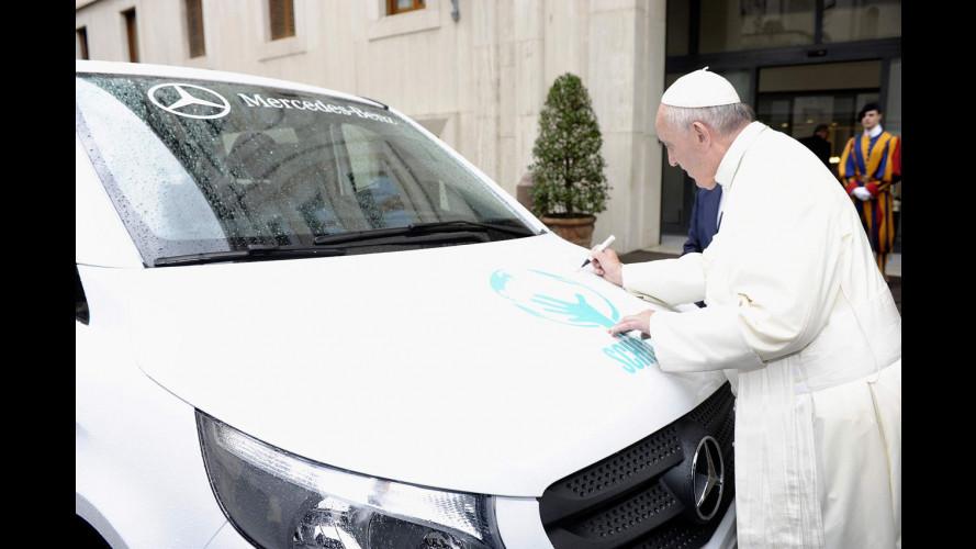 Mercedes Vito, Papa Francesco benedice il primo prodotto in Argentina