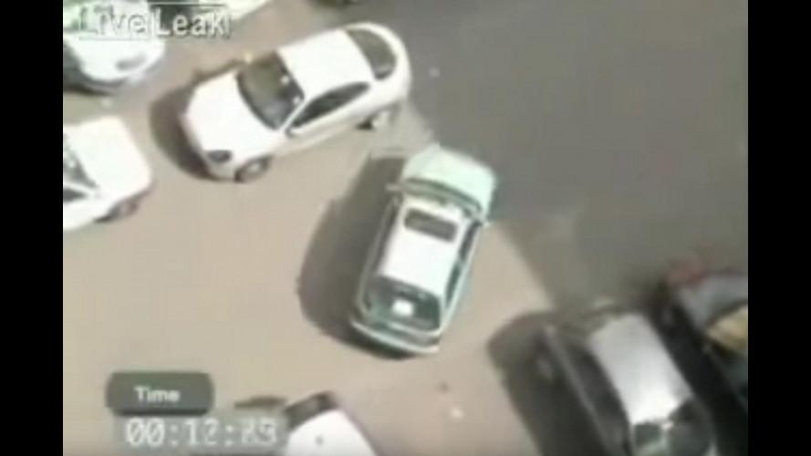 Video divertenti, i parcheggi più assurdi [VIDEO]