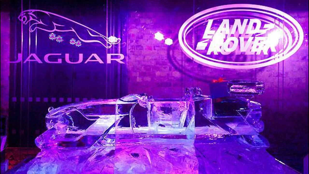 [Copertina] - Jaguar e Land Rover si preparano al Natale... in slitta