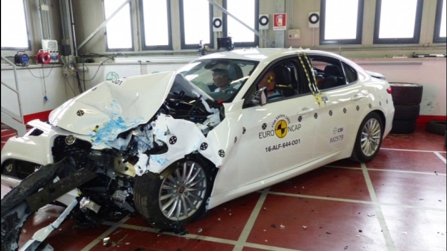 Alfa Romeo Giulia, 5 stelle nei crash test [VIDEO]