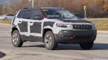 """Jeep Cherokee, foto spia del restyling """"normalizzante"""""""