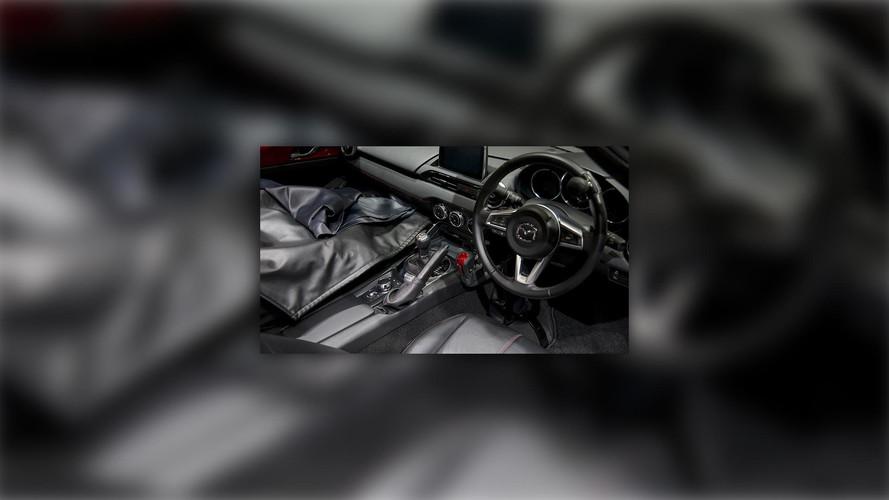 Mazda MX-5 Miata el kontrolleri