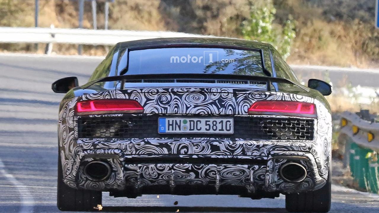 Ateşli Audi R8 casus fotoğrafları