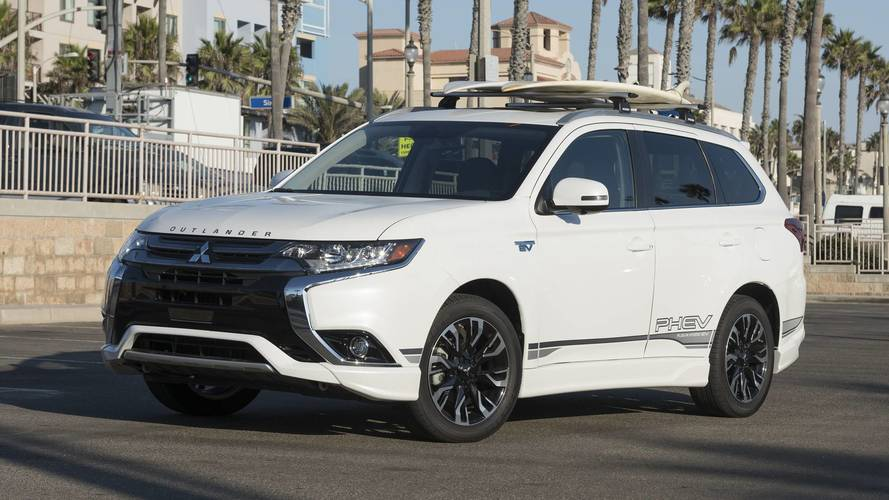 2018 Mitsubishi Outlander PHEV Finally Arrives At U.S. Dealerships