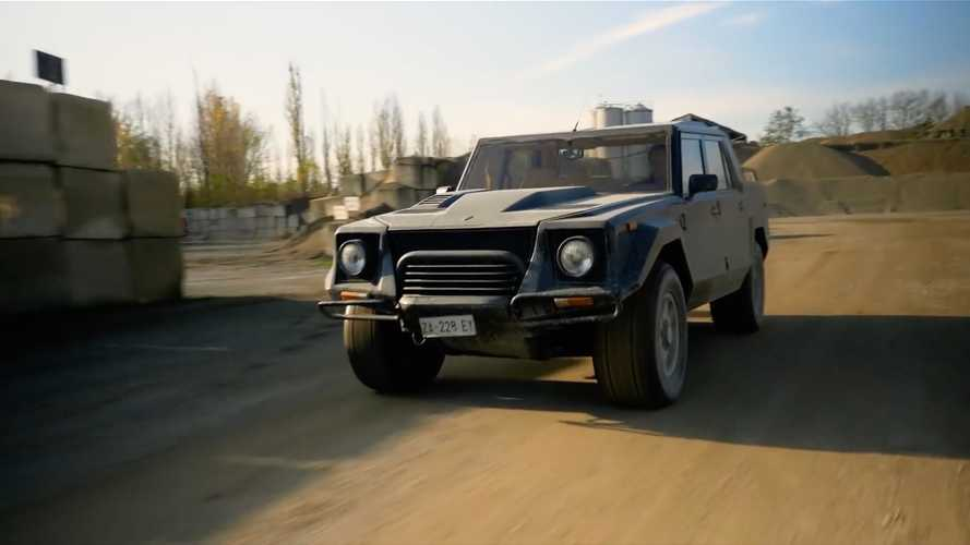 Top Gear Take The Lamborghini LM002 Off-Road