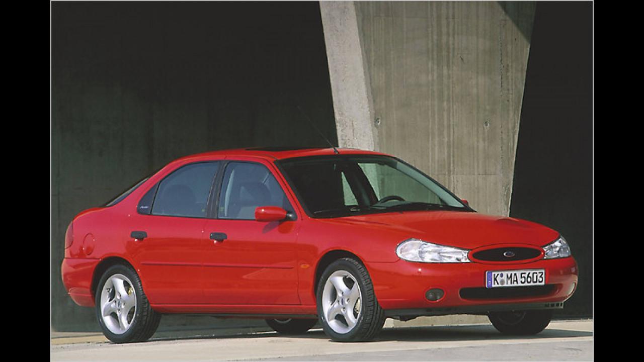 1993 stand er als legitimer Nachfolger des Sierra in Genf: Fords neue Mittelklasse-Limousine Mondeo