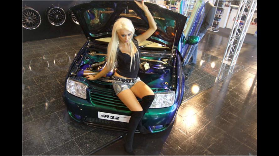 Die heißen Ladies der Essen Motor Show 2010