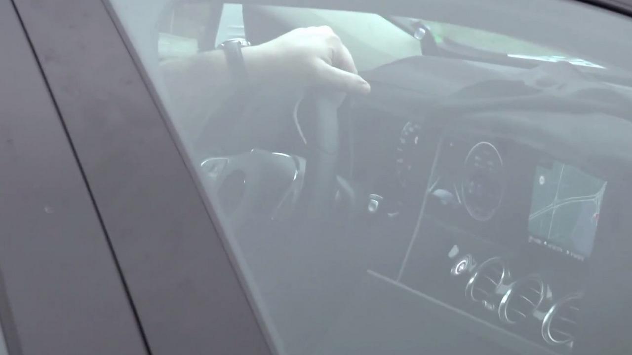 2016 Mercedes-Benz E-Class interior spy photo