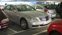 2010 Mercedes-Benz S400 Bluehybrid facelift spy photo