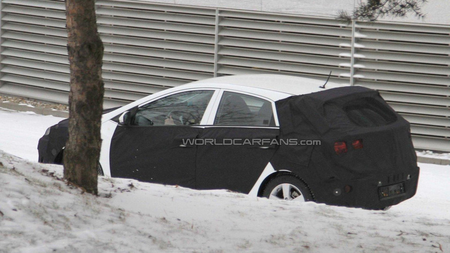 2012 Hyundai i30 spied winter testing in Germany