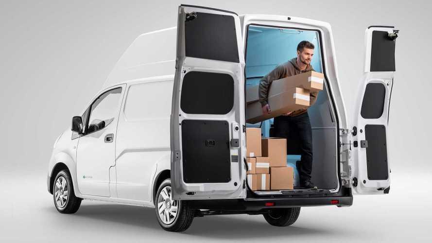 Nissan e-NV200 XL Voltia, il furgone elettrico si allarga