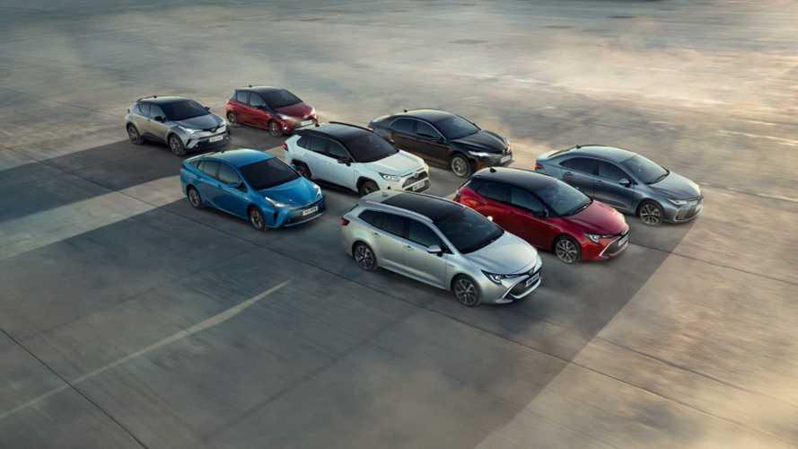 Túl a 15 milliós hibrid-értékesítési határon a Toyota