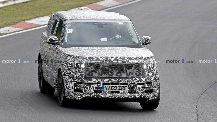 Nuova Range Rover 2021, le foto spia un anno prima del debutto
