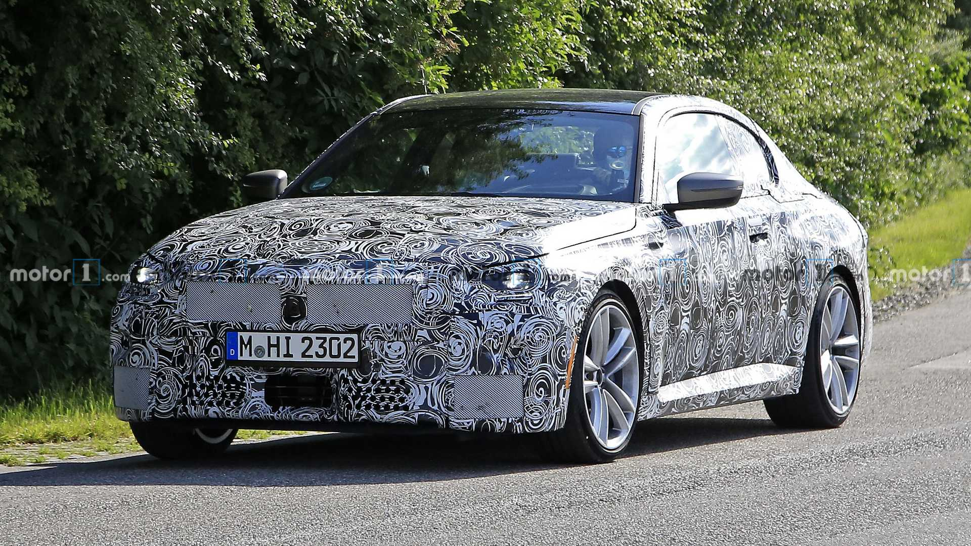 2022 - [BMW] Série 2 / M2 Coupé [G42] - Page 4 2022-bmw-2-series-coupe-spied-with-production-headlights