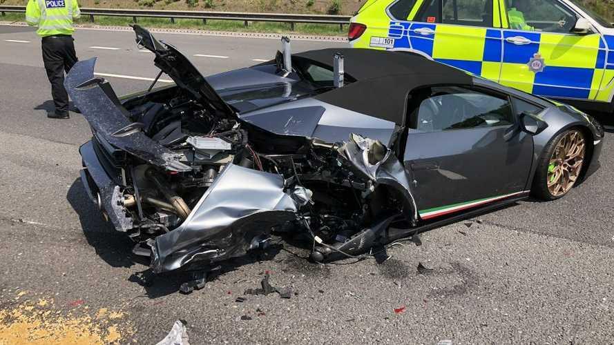 20 perccel az átvétel után totálkárosra törtek egy Lamborghini Huracánt