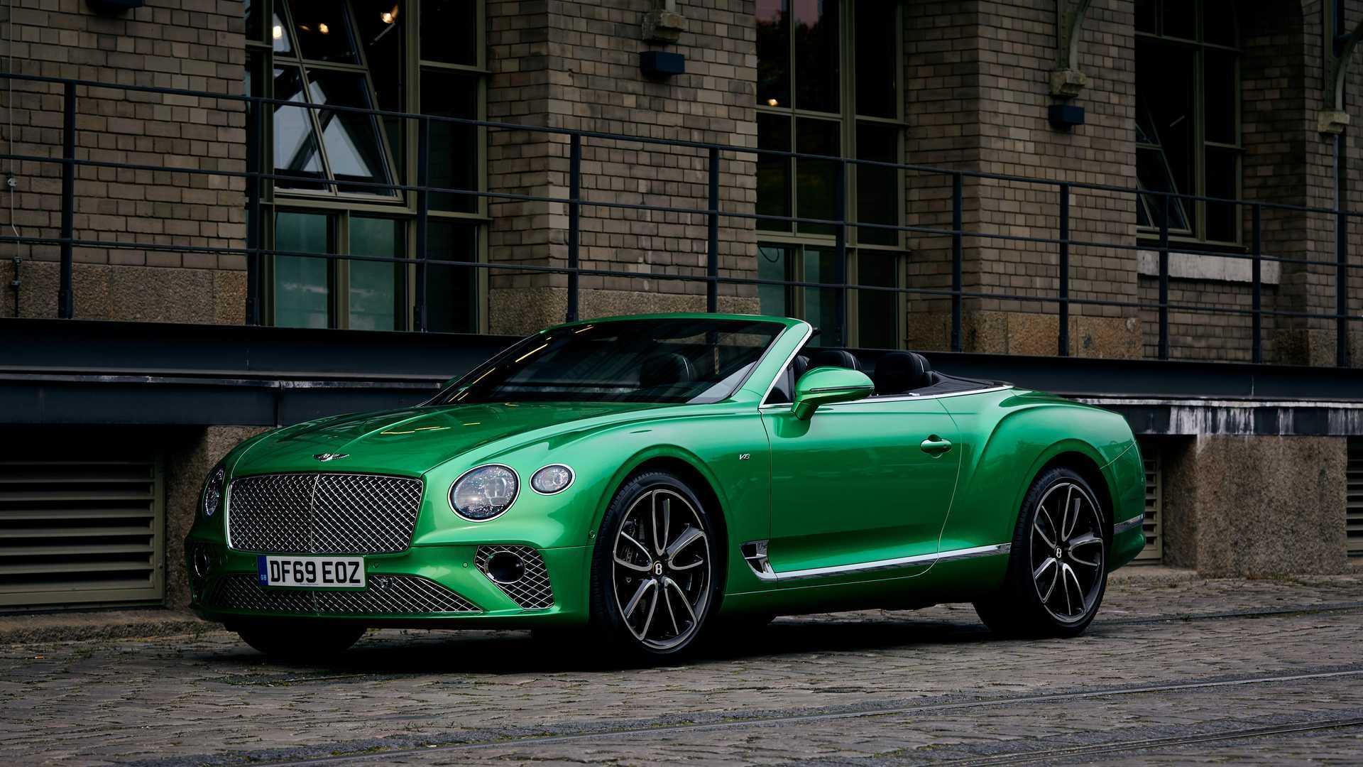 Bentley Tastes The Rainbow With Colorful Bacalar