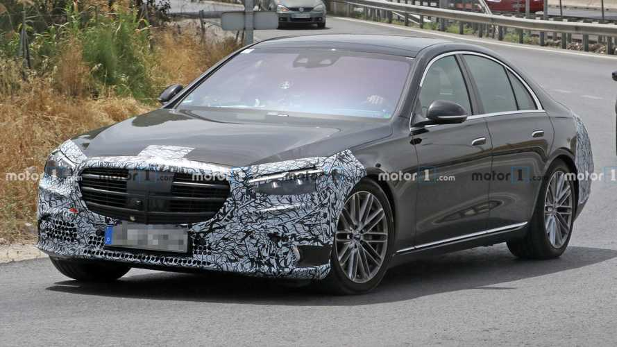 2021 Mercedes S-Class Spied With Less Camo, Shows Pop-Out Door Handles