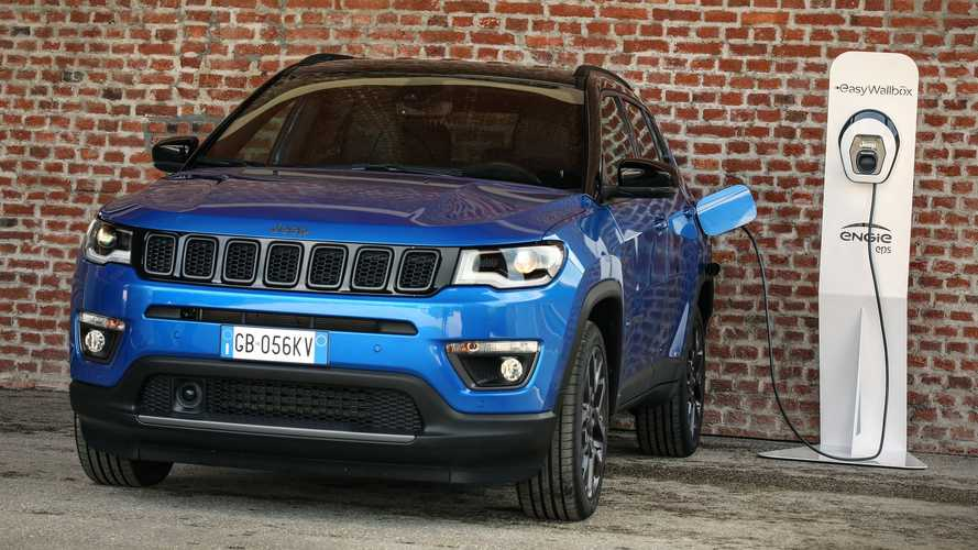 Jeep Compass 4xe Türkiye'de satışa sunuldu