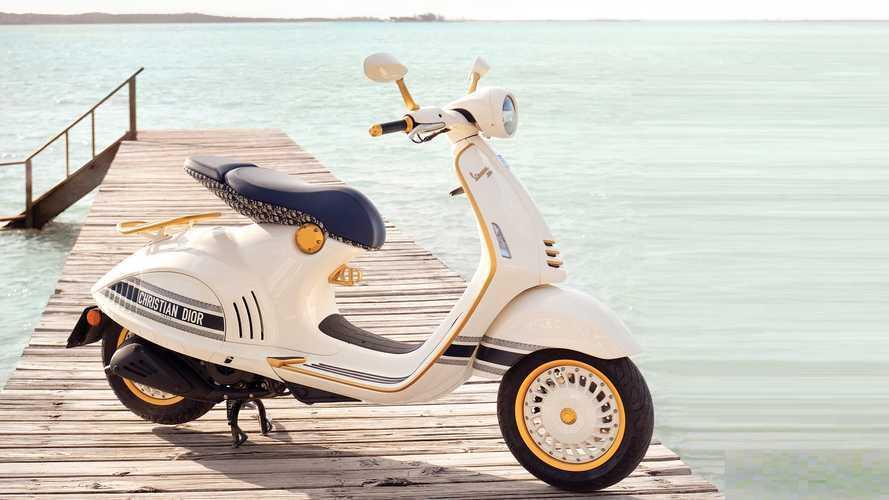 """Vespa 946 Christian Dior, lo scooter """"griffato"""" che unisce due icone"""