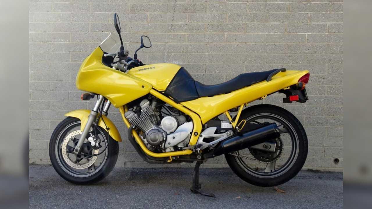 1994 Yamaha XJ600 Seca II