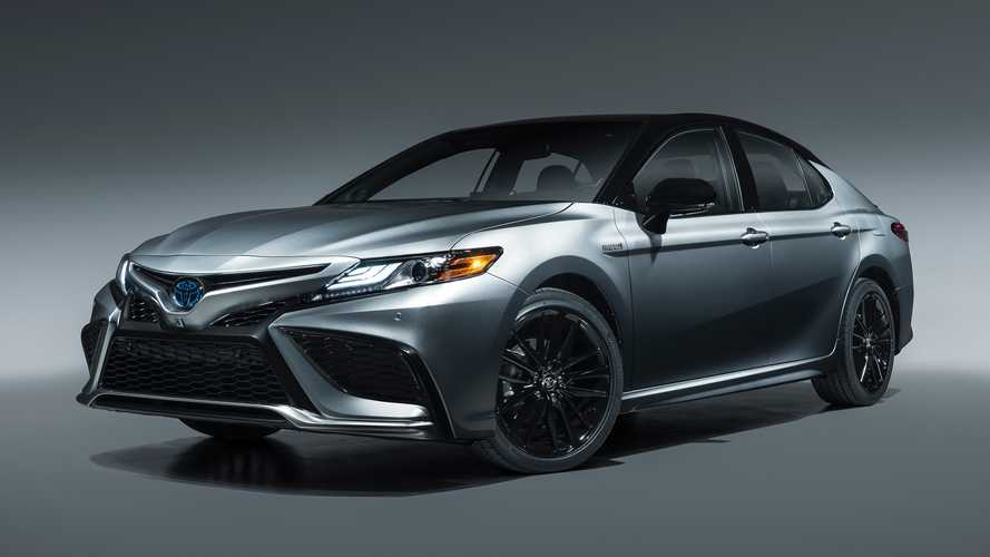 2021 Toyota Camry Revealed With New Safety Sense 2.5, XSE Hybrid Trim