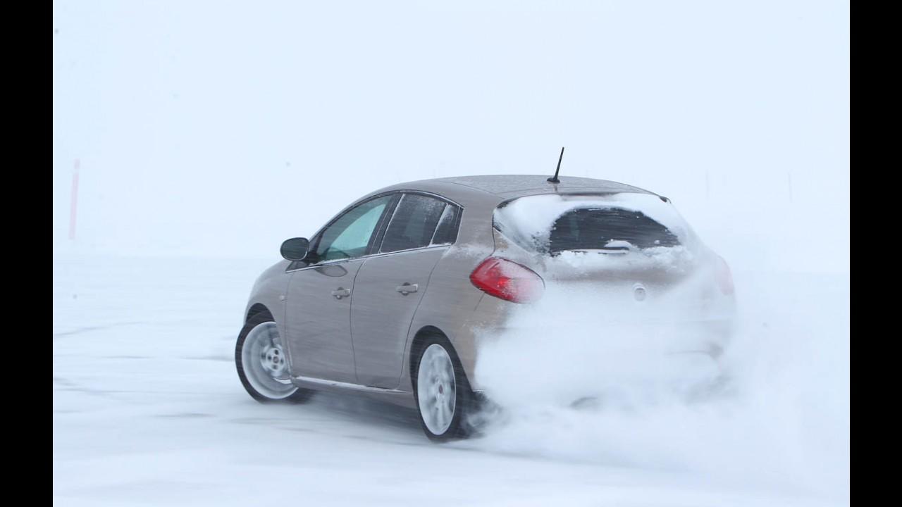 """Vídeo: CARPLACE na neve - drift no gelo e """"babás eletrônicas"""" em ação"""