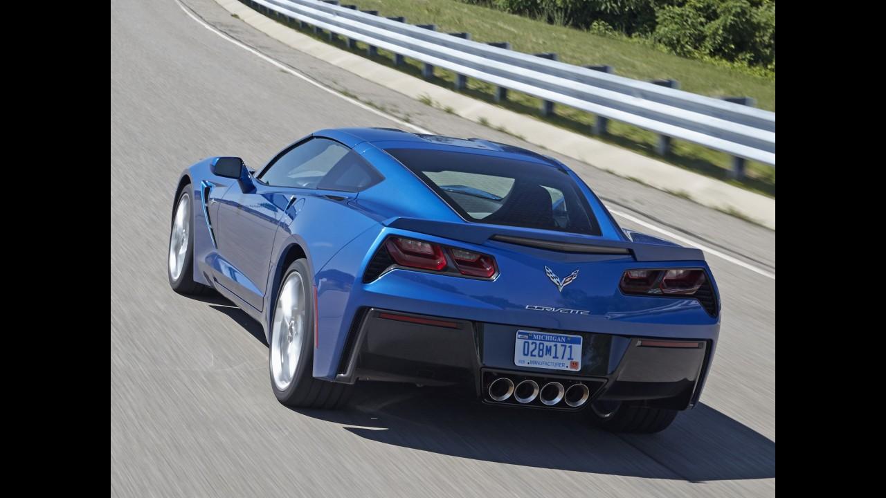 """GM diz que versão híbrida do Corvette """"não é brincadeira"""""""