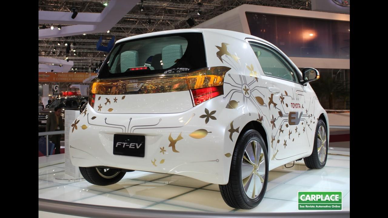 Salão do Automóvel: Toyota mostra o subcompacto elétrico FT-EV Concept